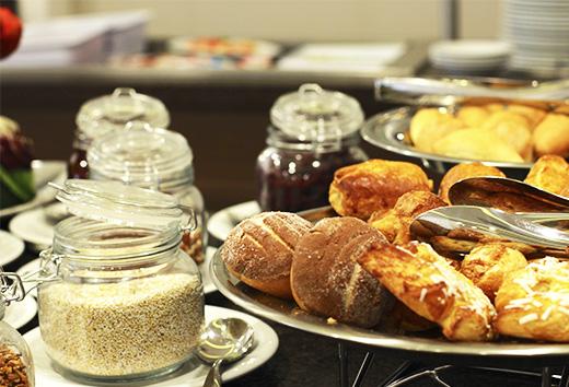 2 X 1 en desayuno buffet