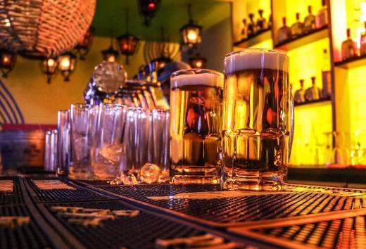 Viernes y sábado cerveza $20